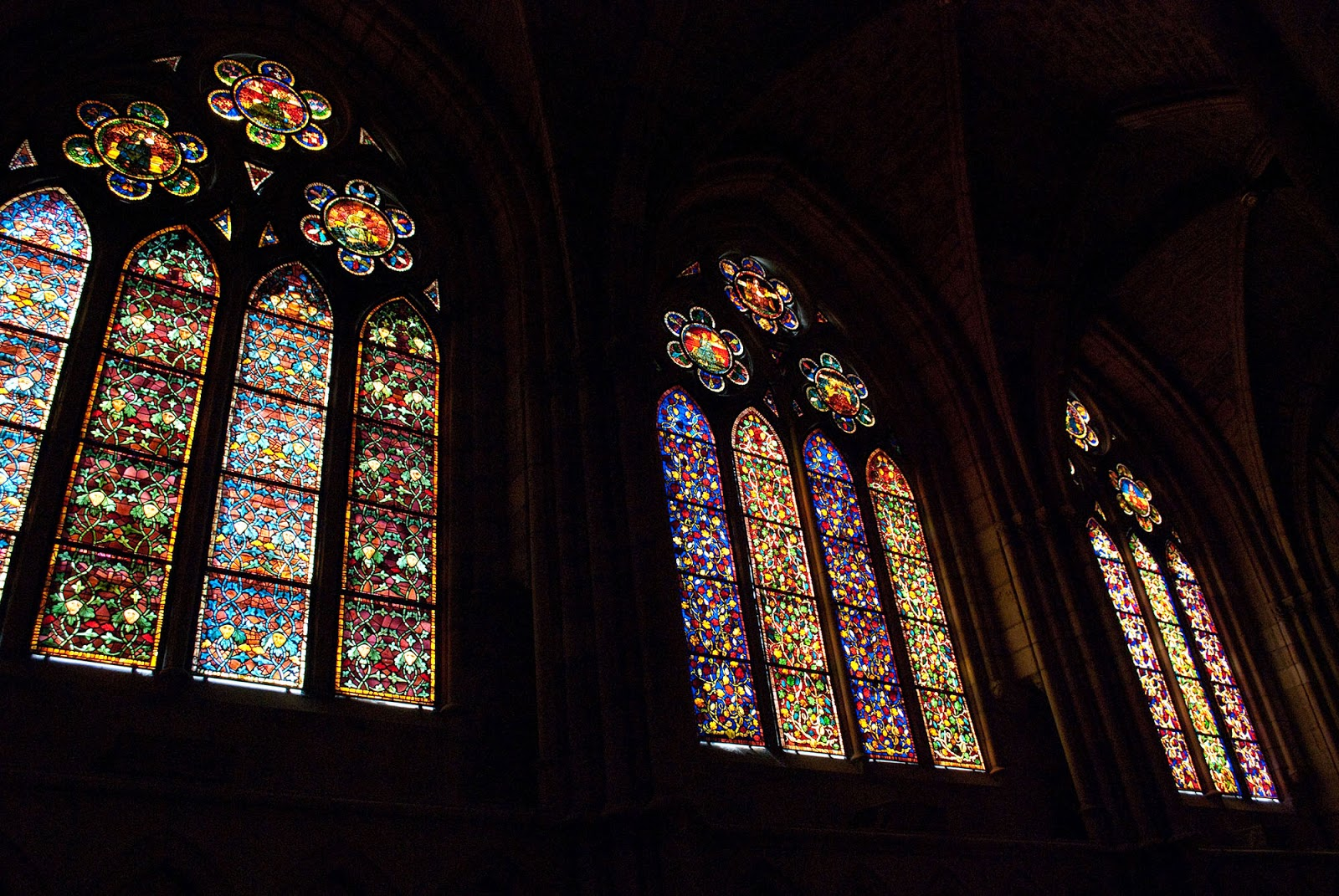 stained-glass windows vidrieras cathedral leon spain