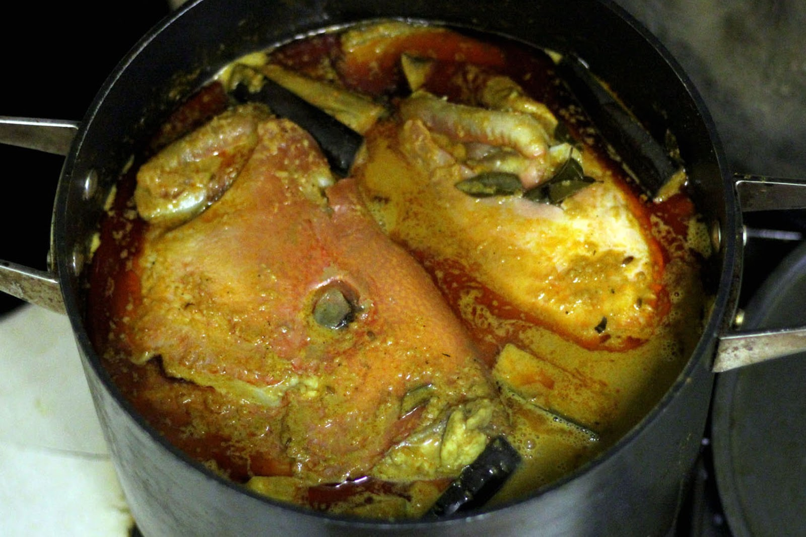FEAST to the world: Face/Off ! - Singapore Nyonya Fish Head Curry