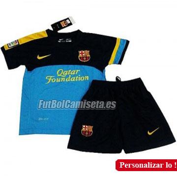 Camiseta de azul Niño del FC Barcelona para la temporada 2012 2013.  Consigue la nueva camiseta que llevan los jugadores del Barça en los  entrenamientos de ... d7b40ccd7c545