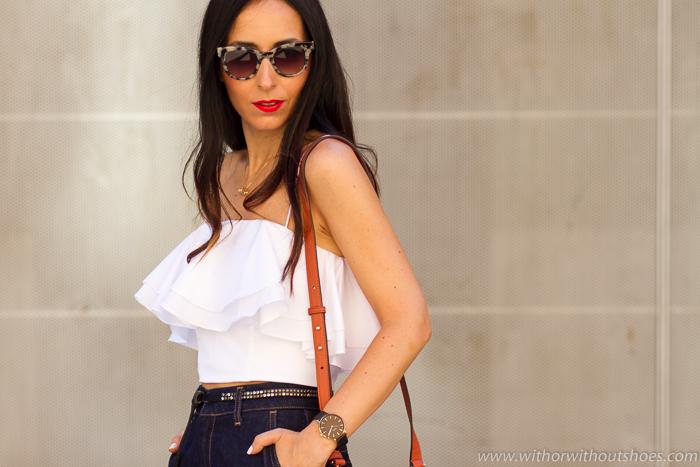 Influencer blogger de moda valenciana con ideas looks y zapatos bonitos