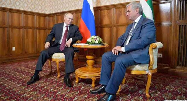 Putin visita Abjasia en aniversario de la guerra contra Georgia