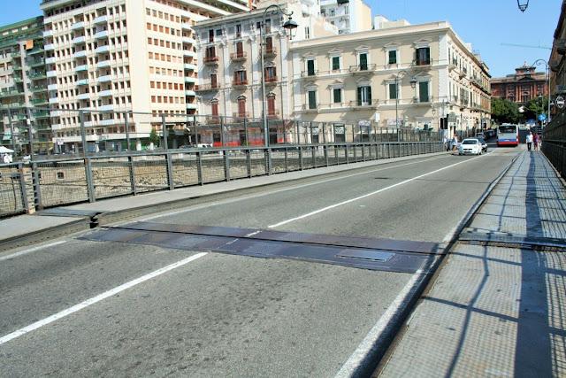 ponte girevole, Taranto, abitazioni, strada