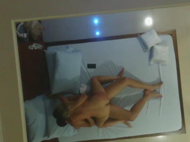 Gravando Pelos Espelhos do Motel