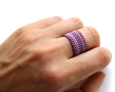 купить широкое женское кольцо фиолетового цвета бижутерия фуксия