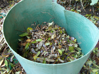 Open top leaf bin How to make leaf mould The Green Fingered Blog