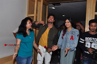 Vidyut Jamwal Adah Sharma Commando 2 Movie Team at Radio Mirchi 95  0036.jpg