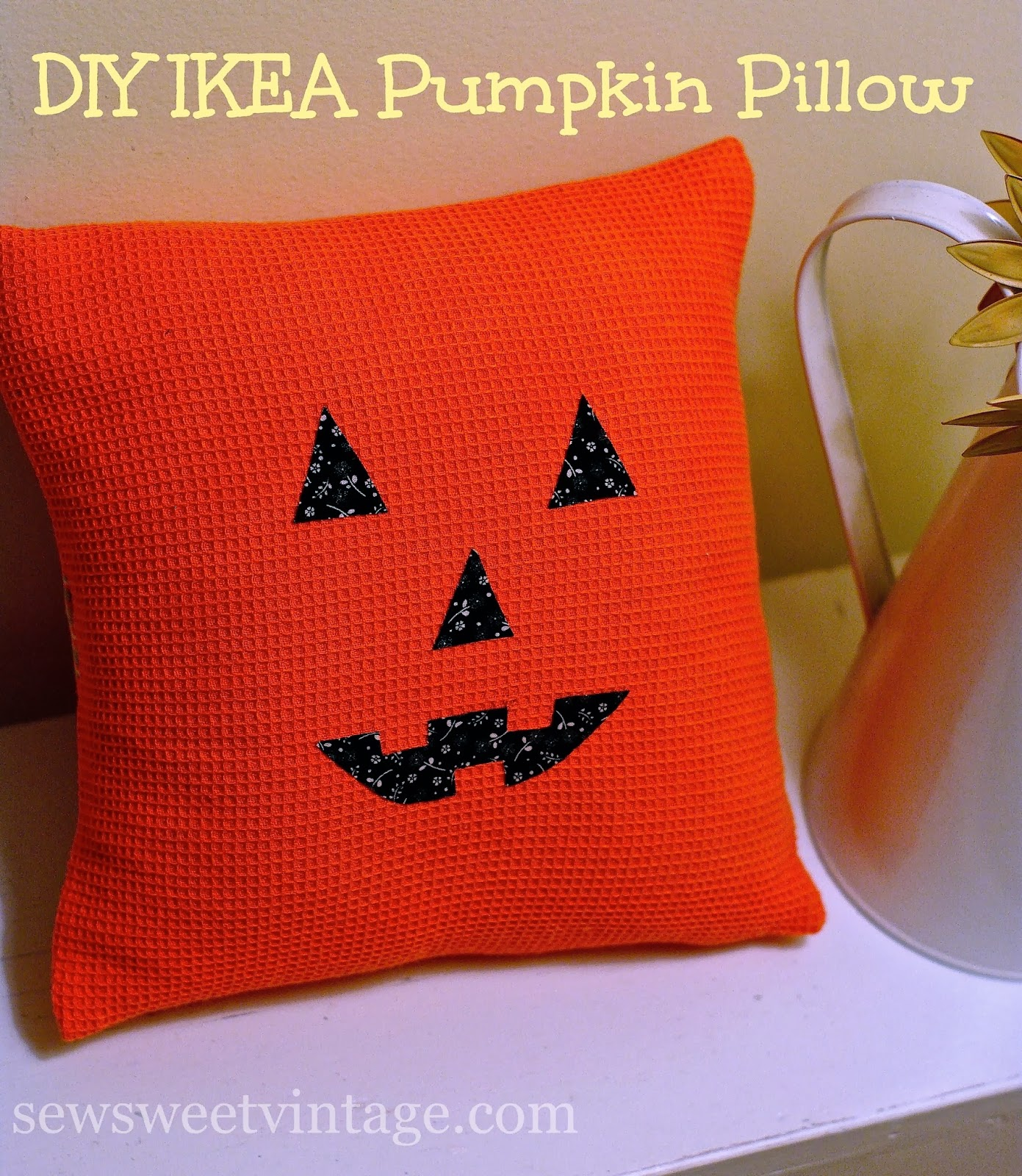 Sew Sweet Vintage: pumpkin pillowcase treat bag