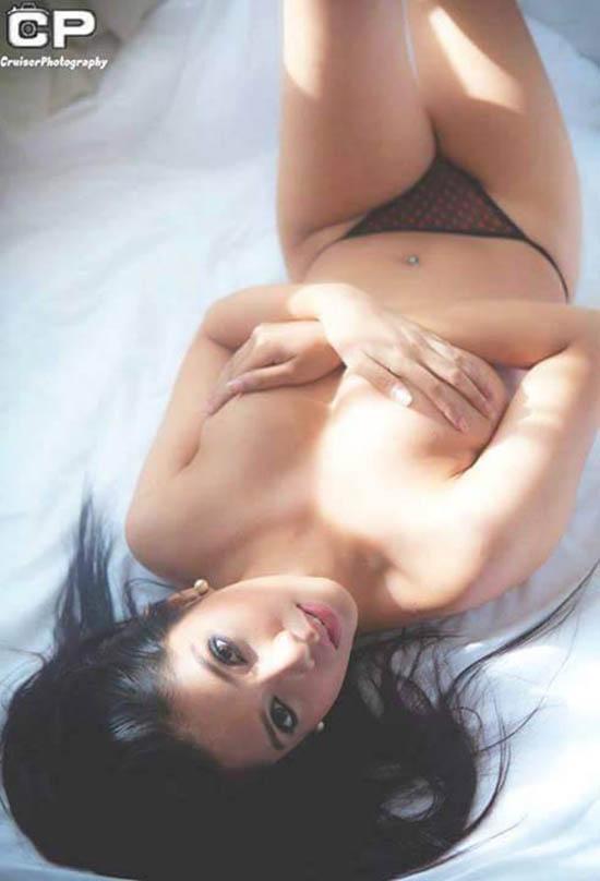 hot asian girls bikini pics collection 02