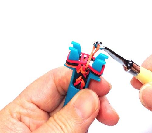 Knitting Spool Vs Mini Rainbow Loom For Rubber Band Bracelets The