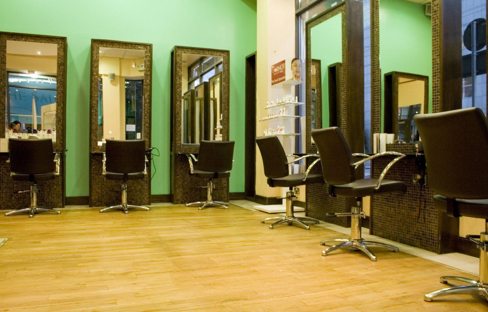 Contemporary Beauty Salon Ellenslillehjorne
