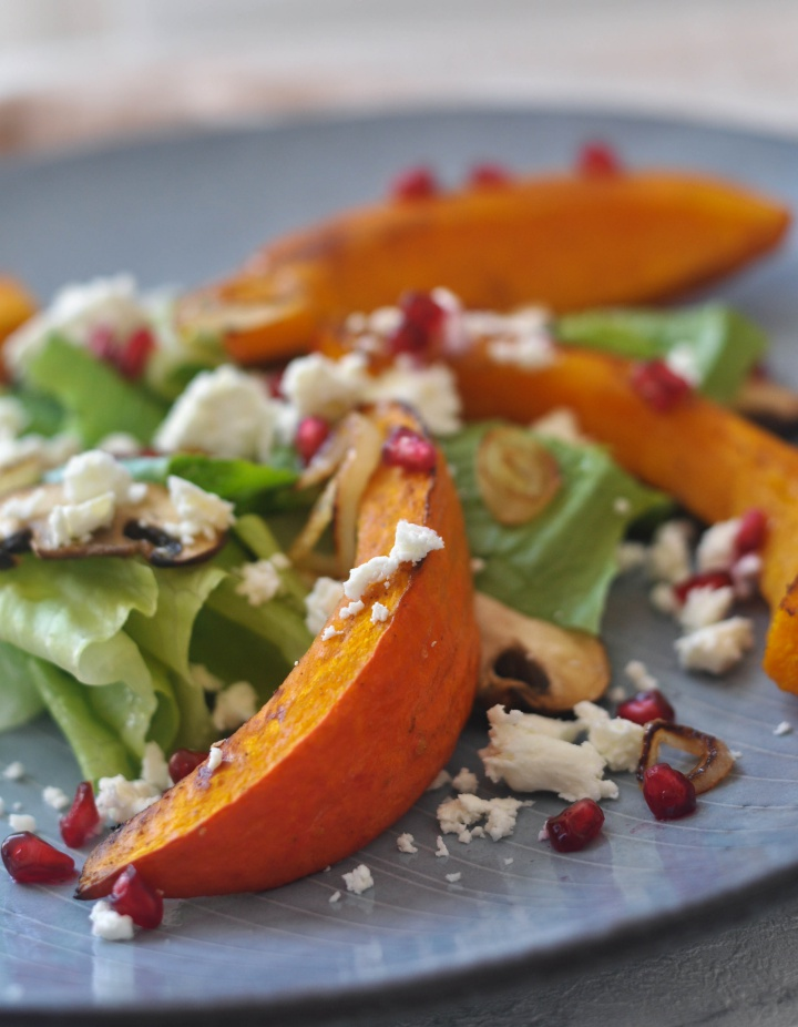 Salad with roasted pumpkin and feta cheese