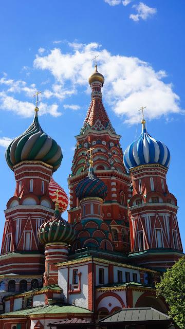 На фото - Купола Храма Василия Блаженного