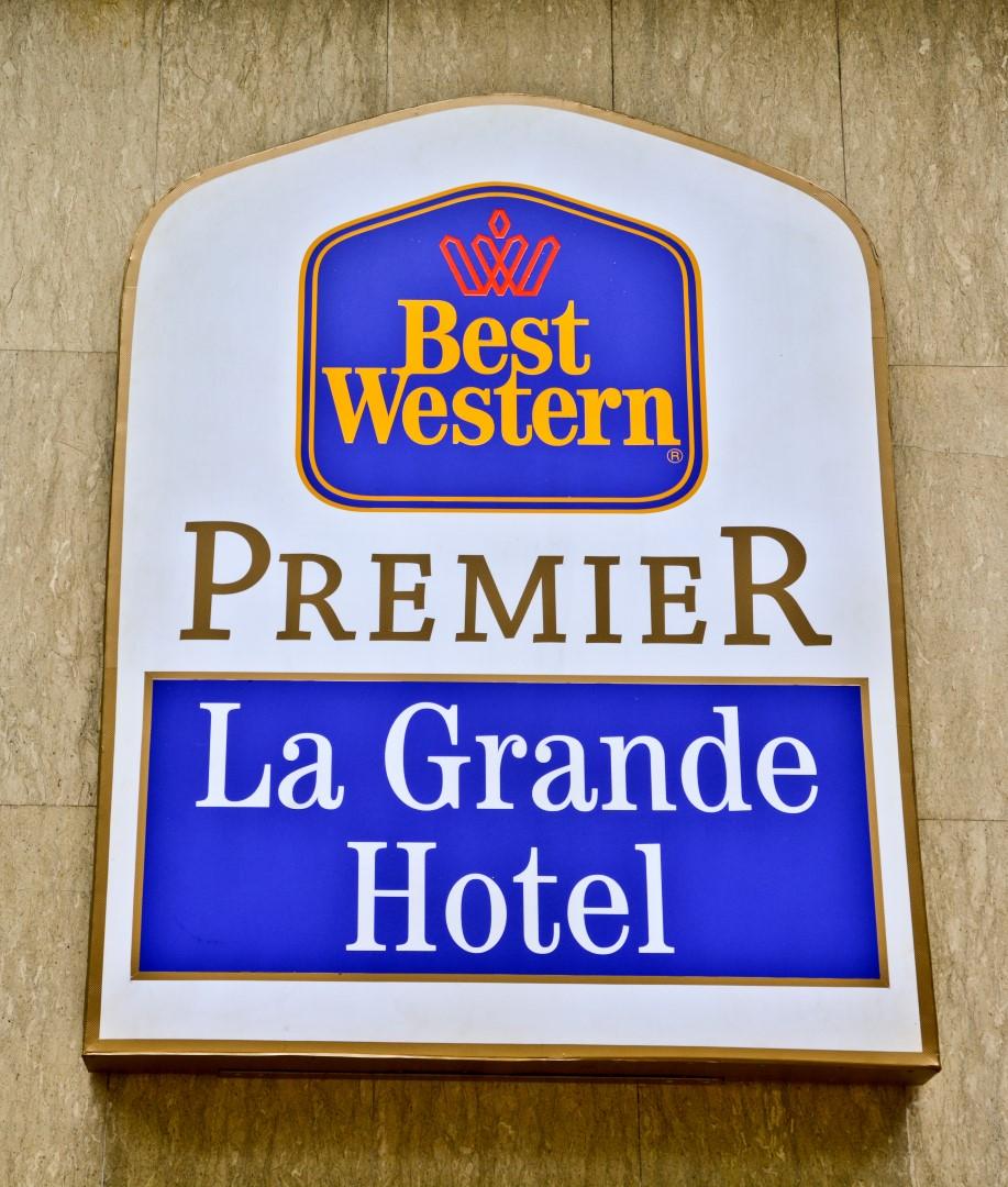 Entree Kibbles  Best Western Premier La Grande Hotel Review   Bandung  Indonesia