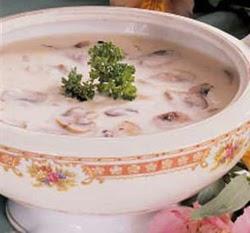 Pertrinta pievagrybių sriuba
