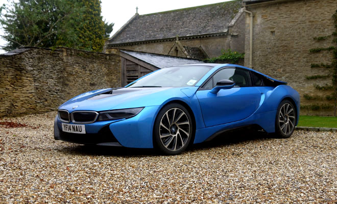 Fast Forward Driving Bmw S I8 Plug In Sports Car