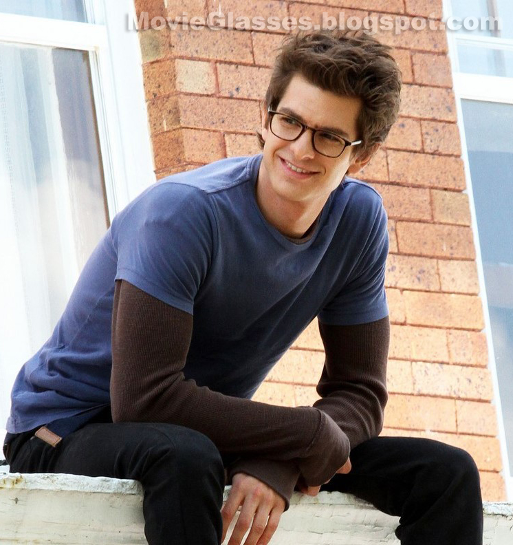 20b7ab6ae5 Andrew Garfield as Peter Parker in The Amazing Spider-Man wearing his  father s Oliver Peoples