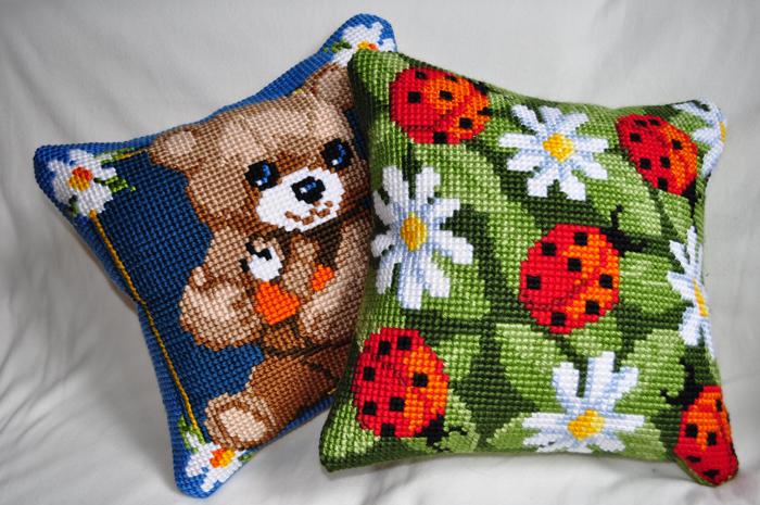 Блог Анастасии Штраус (о вышивании и кошках)  Вышитые подушки f1db6c386773f