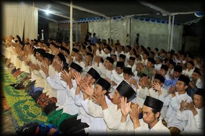 Haul Pendiri PPSQ Asy-Syadzili dan Para Masyayikh serta Tasyakuran Khotmil Quran.