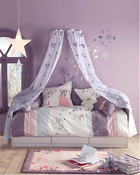 mostrarles una seleccion de cortinas para todos los estilos para que puedan cojer alguna idea a la hora de vestir las ventanas del dormitorio infantil