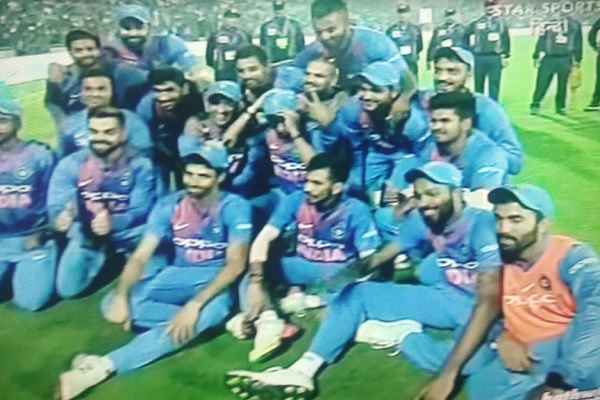 team-india-make-pakistan-number-1-in-t-20-beating-new-zeeland
