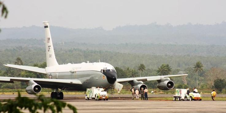 Pesawat militer Amerika Serikat mendarat darurat di Bandara Sultan Iskandar Muda Aceh Besar.
