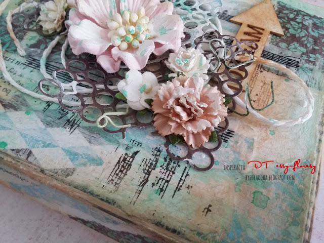 #279 Mediowe pudełeczko vintage