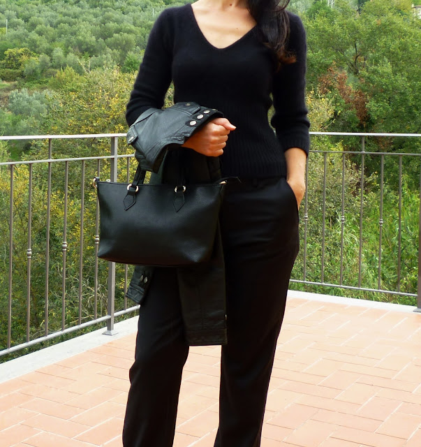 black outfit, casual, chic