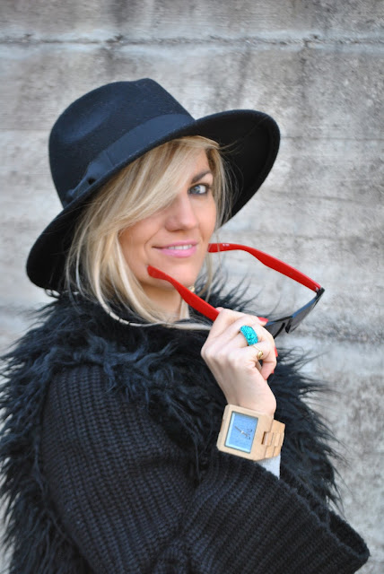 mariafelicia magno fashion blogger color block by felym fashion blogger italiane fashion blog italiani ragazze bionde blondie blonde hair blonde girl occhi azzurri cappello fedora come abbianare il cappello fedora abbinamenti cappello fedora how to wear fedora hat how to combine fedora hat wooden watch fashion bloggers italy anello luca barra