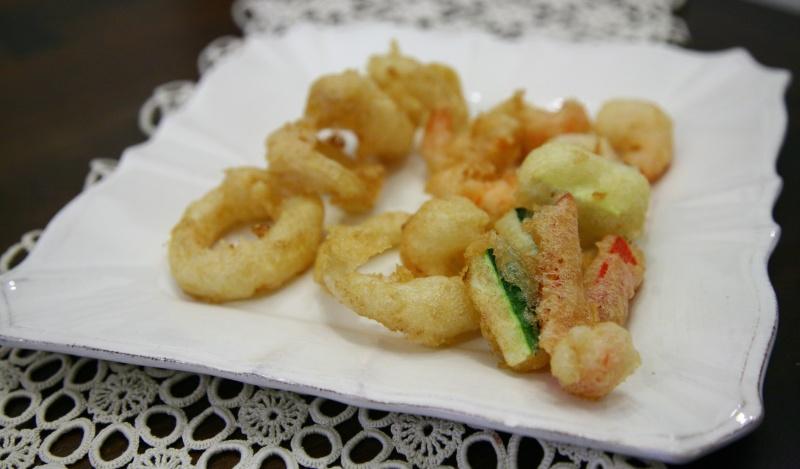 Viaggio Di Gusto Fritto Di Gamberi Calamari E Verdure In Pastella