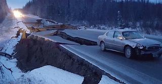 Σκηνές από ταινία καταστροφής στην Αλάσκα μετά τον ισχυρό σεισμό