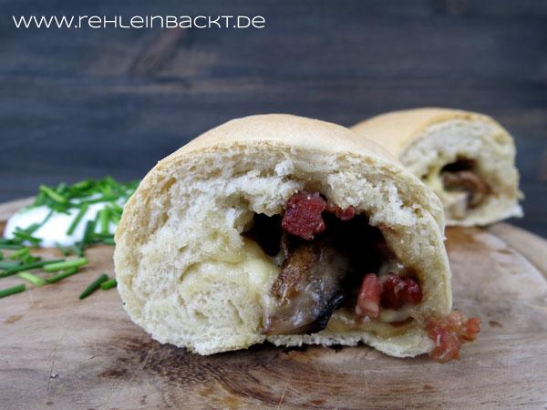 Handbrot mit Champignons, Speck und viel Käse | Foodblog rehlein backt