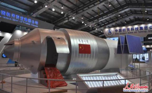 Trưng bày mô hình của Trạm Không gian Thiên Cung 1 tại một triển lãm ở Học viện Công nghệ Vũ trụ Trung Quốc. Hình ảnh: Gregory Kulacki/People's Daily Online.