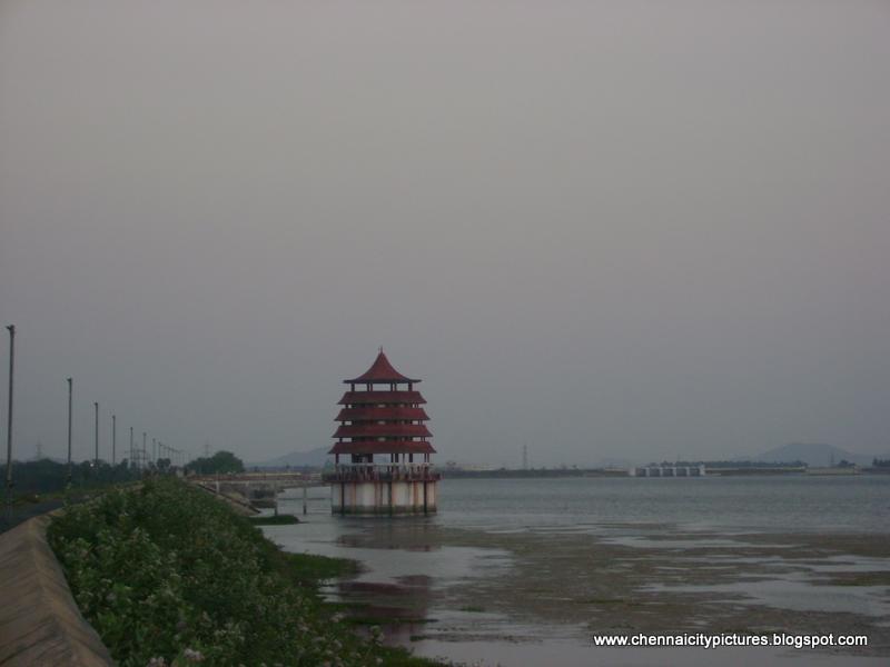 Chennai City Pictures: Chembarambakkam Lake Chennai
