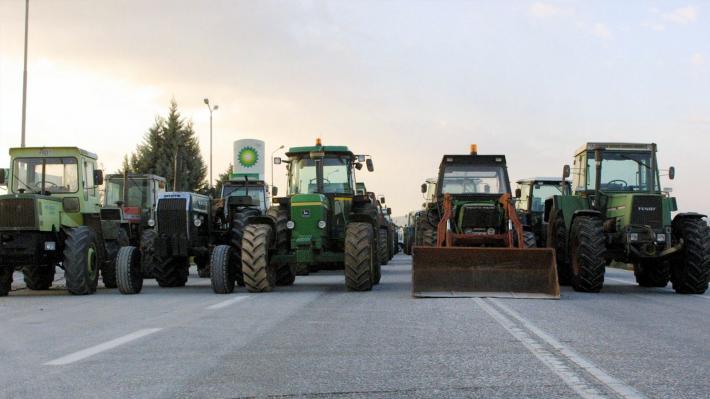 Η Πανελλαδική Επιτροπή Μπλόκων καλεί αγρότες και κτηνοτρόφους «να δυναμώσουν και να συσπειρωθούν»