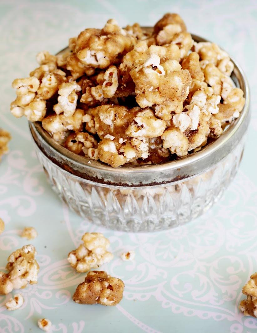 Easy Churro Caramel Popcorn Recipe #appetizer #appetizersrecipe #popcorn #caramel #churro #easter #snack
