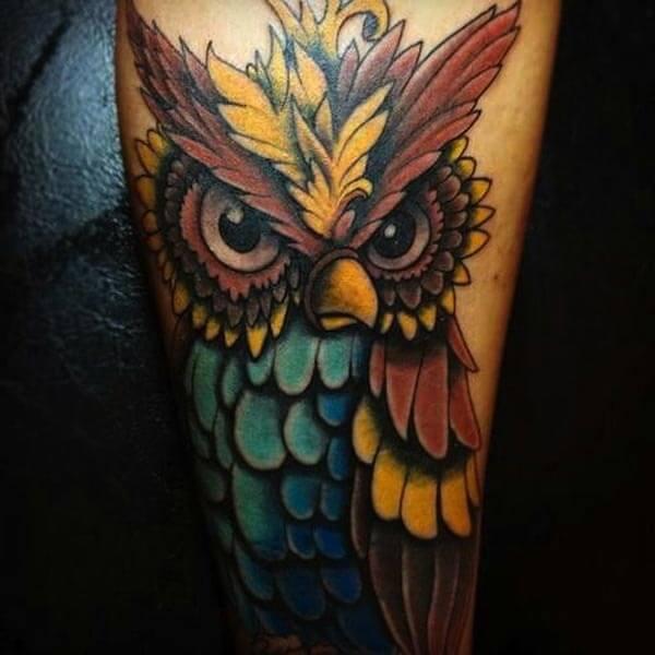 renkli baykuş dövme modeli