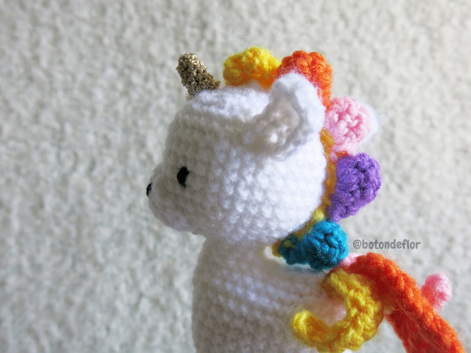 Botón de Flor: Patrón gratis de amigurumi unicornio por Ms. Eni