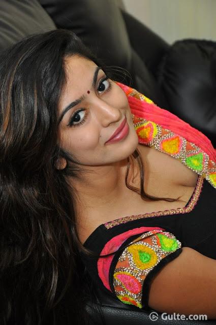 Vaibhavi Joshi huge boobs cleavage hot and romantic look and saree