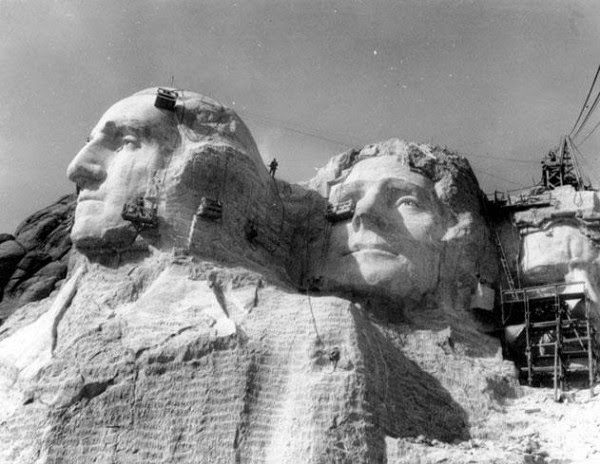 Ultimate Collection Of Rare Historical Photos. A Big Piece Of History (200 Pictures) - Construction of Mount Rushmore