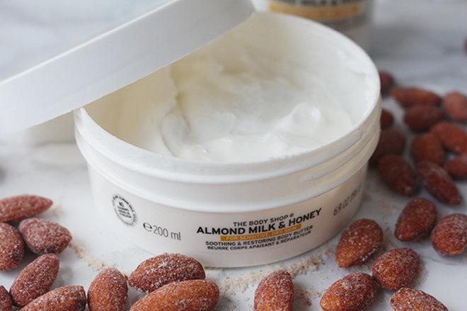 Các sản phẩm dưỡng thể giúp các nàng da không bị bong tróc