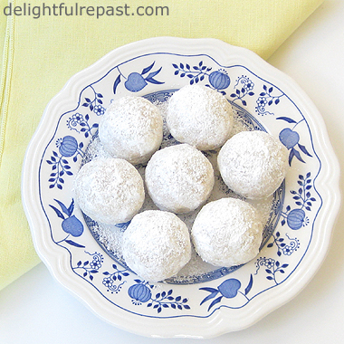 Mexican Wedding Cookies or Russian Teacakes - Gluten-Free or Not / www.delightfulrepast.com