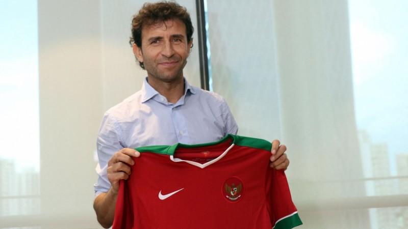 Luis Milla resmi menjadi pelatih Timnas Indonesia