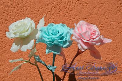 Розы однотонные из холодного фарфора, полимерной глины