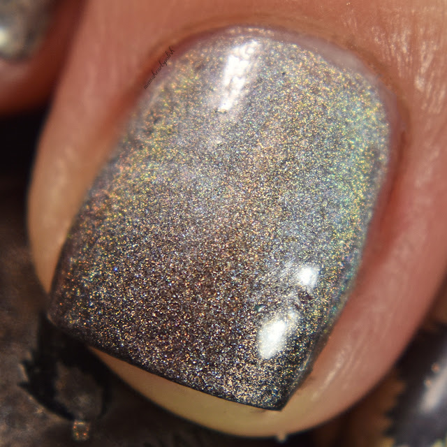 game-of-thrones-house-stark-holo-gradient-china-glaze-omg-macro