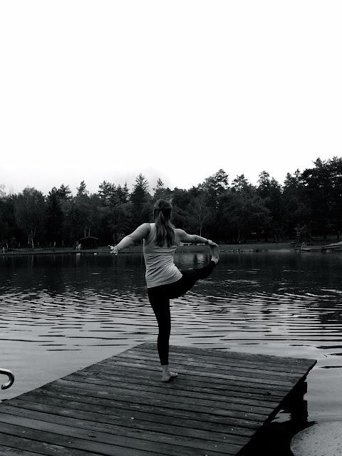 Oder Angelika Komposch, das Kärntner Madl, das mich am Campingplatz im Rosental beim Yoga am Steg unbemerkt blitzte. © Angelika Komposch