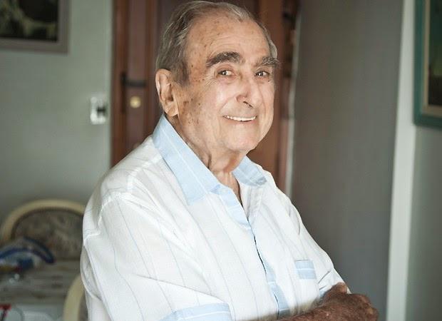Ator Elias Gleizer morre, aos 81 anos, após cair de escada rolante
