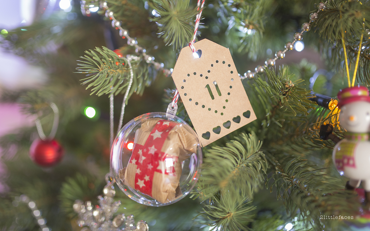 2 Littlefaces: DIY Christmas Bauble Advent Calendar