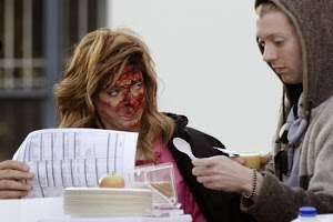 Vampire - a zombie: Ashley Greene on the set of new movie