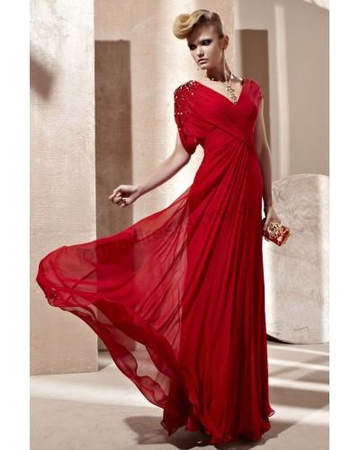 احمر في احمر 2013-red-v-neck-ruch