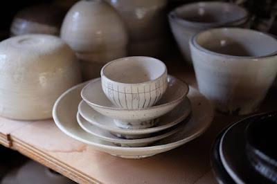 長野県生坂村の陶器・器 月日工房 白い器、お皿